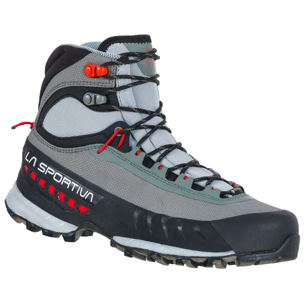 Women's hiking boot TX S GTX ideal for use on via ferrata and technical approach routes on hard and rocky terrain, even with heavy backpacks.