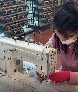 L'emergenza Coronavirus: l'azienda della Valle di Fiemme La Sportiva ha convertito parte della propria produzione per realizzare camici e mascherine per la Provincia di Trento