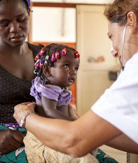 Zamberlan sostiene Medici con l'Africa Cuamm e melle giornate del 9 e 10 maggio, in occasione della Festa della Mamma, devolve il 15% dei ricavi e-commerce © Matteo Di Mayda