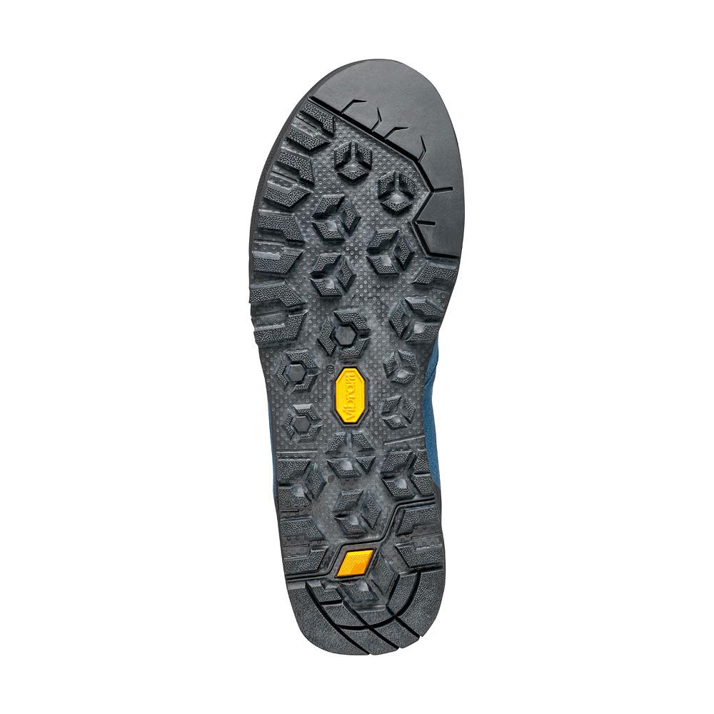 Comfortable approach shoes Kalipè by SCARPA