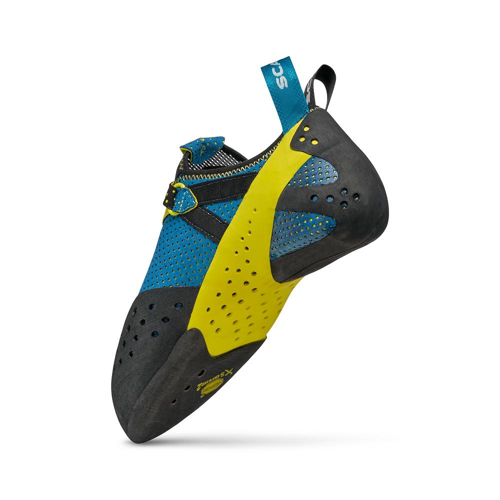 Leggera scarpette da arrampicata SCARPA Furia Air, la massima espressione di sensibilità e leggerezza con suola Vibram per l'arrampicata sportiva e boulder.