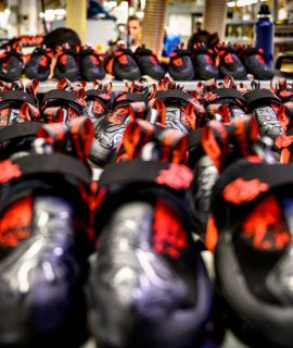 Da lunedì 18 maggio riaprono in sicurezza lo stabilimento di La Sportiva a Ziano di Fiemme ed i negozi monomarca