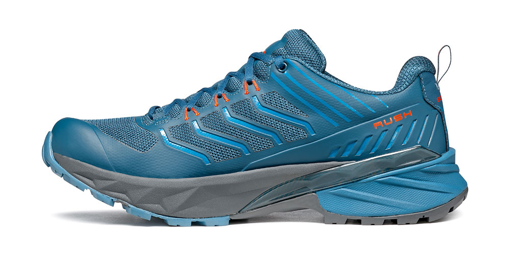 Trail running shoes SCARPA Rush designed for off-road trails on wet terrain