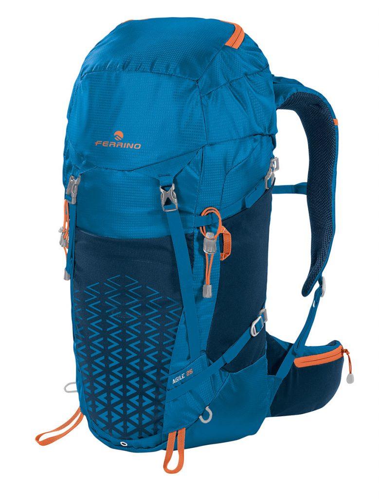 Zaino Hiking Ferrino Agile studiato per il light backpacking dalla capacità di 25 e 35 litri in 3 varianti colore pesa solo 830 g (25 litri).