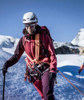 Ortovox presenta le novità per l'estate 2021: gli zaini di arrampicata e alpinismo Dry Line e la giacca e i pantaloni per l'alta montagna Westalpen 3L