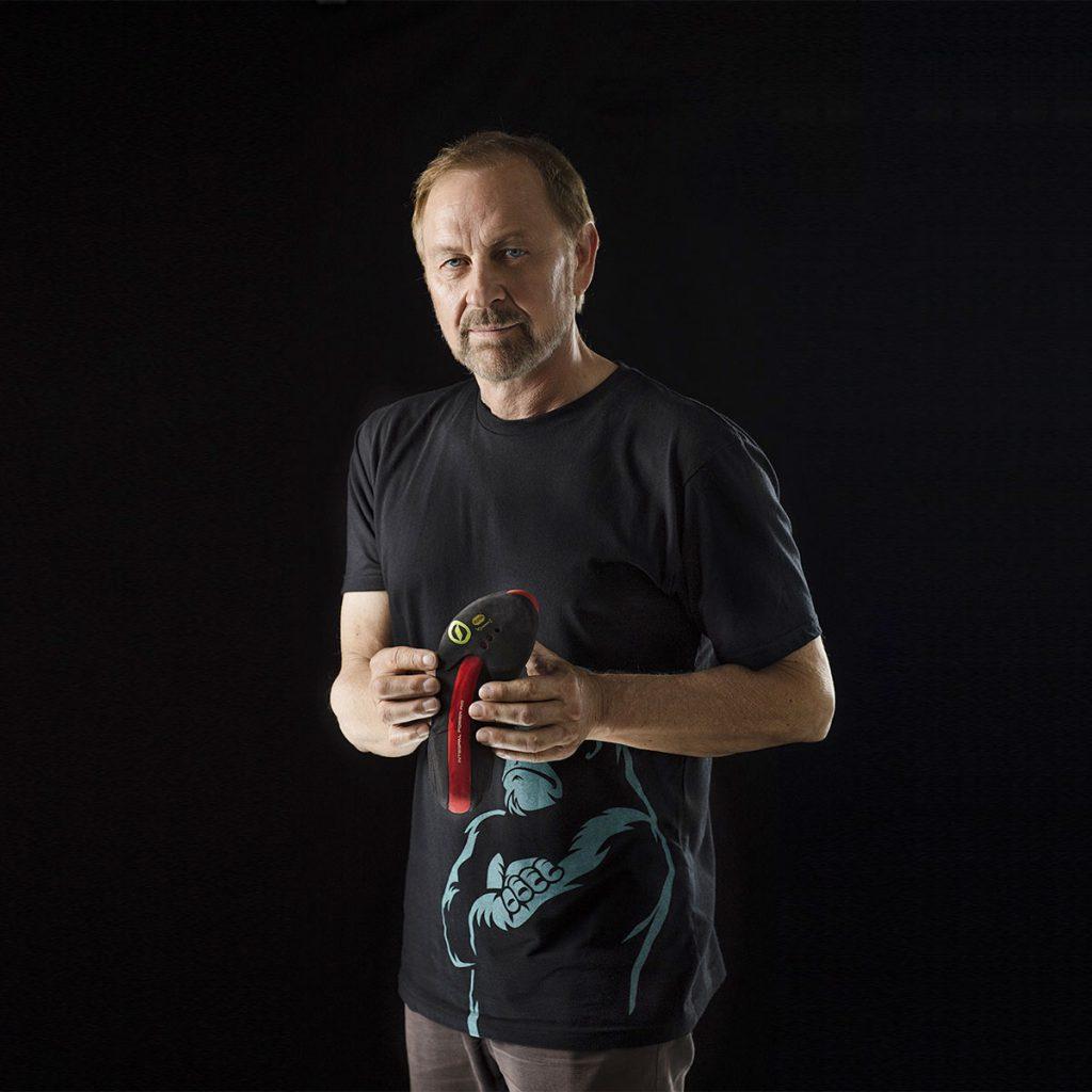 Heinz Mariacher, il manager di SCARPA etra i più grandi interpreti di sempre dell'arrampicata libera, ha ricevuto il prestigioso riconoscimento intitolato al padre del free climbing
