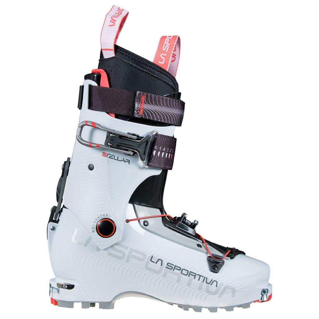 Scarponi da sci alpinismo donna La Sportiva Stellar: uno scarpone femminile dedicato alle sci-alpiniste esigenti alla ricerca di leggerezza ed ampia escursione di movimento