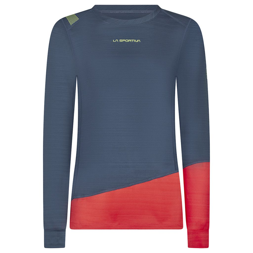 La Sportiva baselayer Dash Long Sleeve in direct skin contact and the ideal choice for winter use in cold climates: climbing, skiing, mountaineering