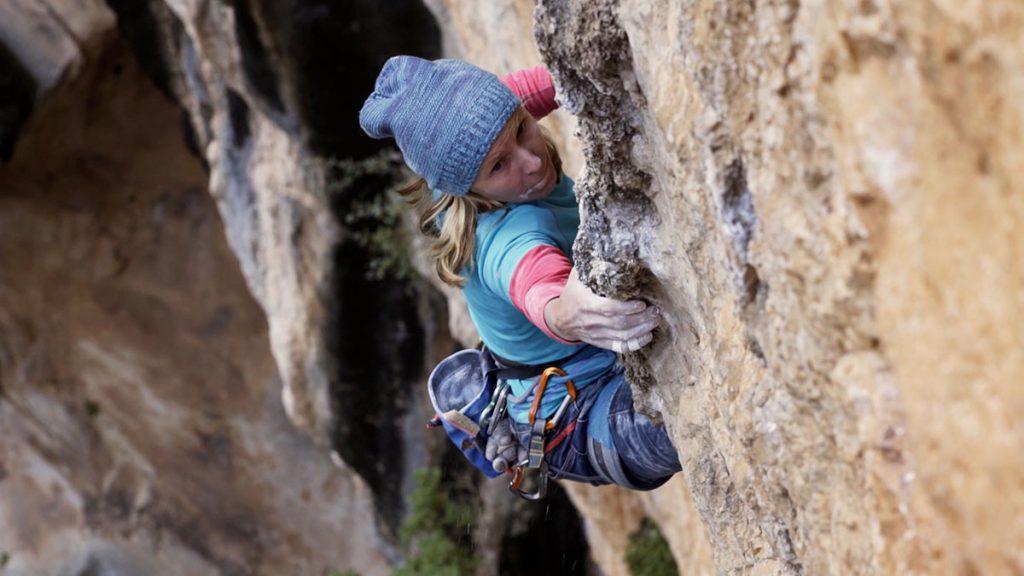 Aleksandra Taistra climbing Hotel Supramonte in Sardinia