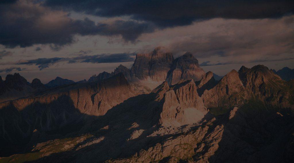 Free to keep going. Karpos esiste per le persone che vivono la montagna per elevare i propri limiti.