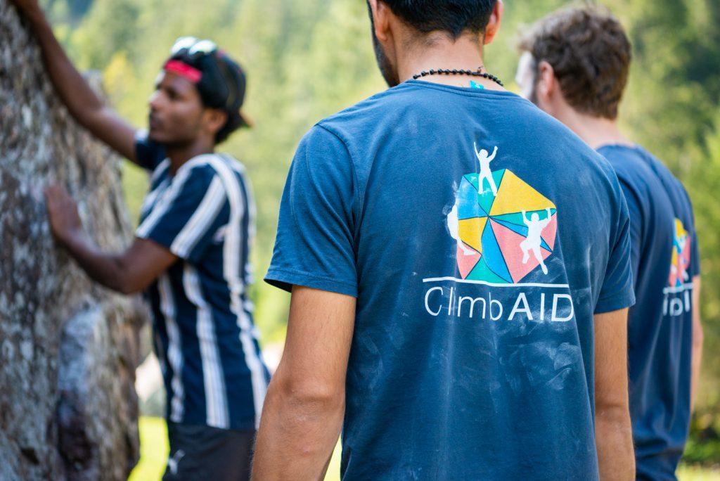 Arrampicare con i rifugiati: Mammut diventa partner dell'organizzazione non-profit ClimbAID