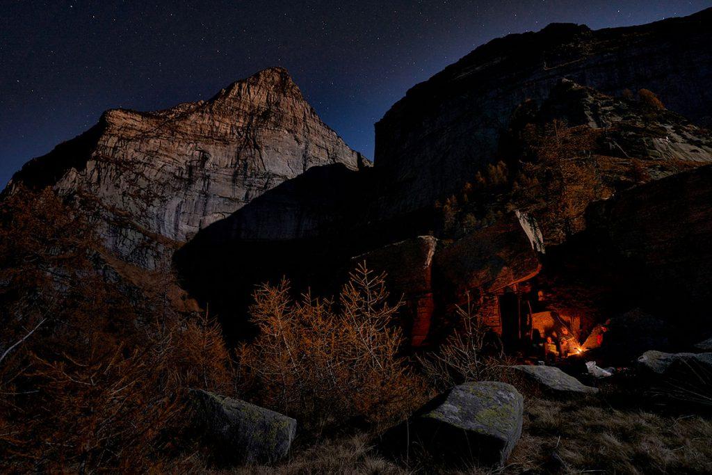 Il Poncione d'Alnasca è una montagna poco conosciuta e selvaggia che si trova in Canton Ticino, Svizzera