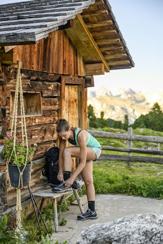Light hiking shoes for women with a recycled fabric upper, Zamberlan Jane GTX WNS BOA is named after Jane Addams, Nobel Prize winner in 1931.