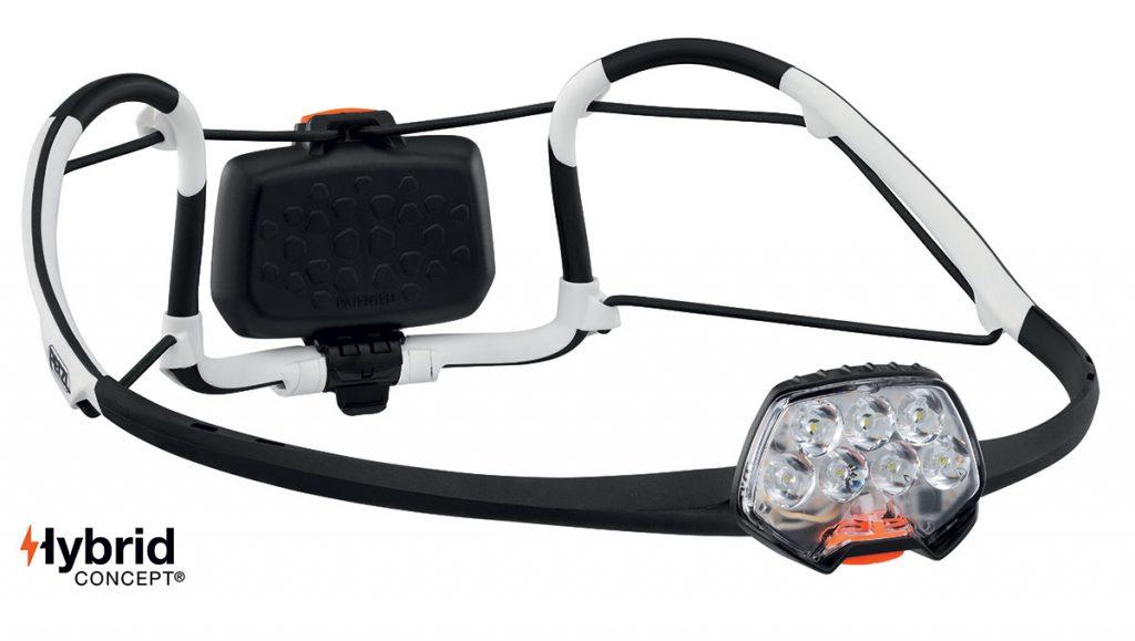 Petzl IKO Core è una lampada frontale leggera, multifunzione e ricaricabile, dotata della fascia elastica AIRFIT. 500 lumen.