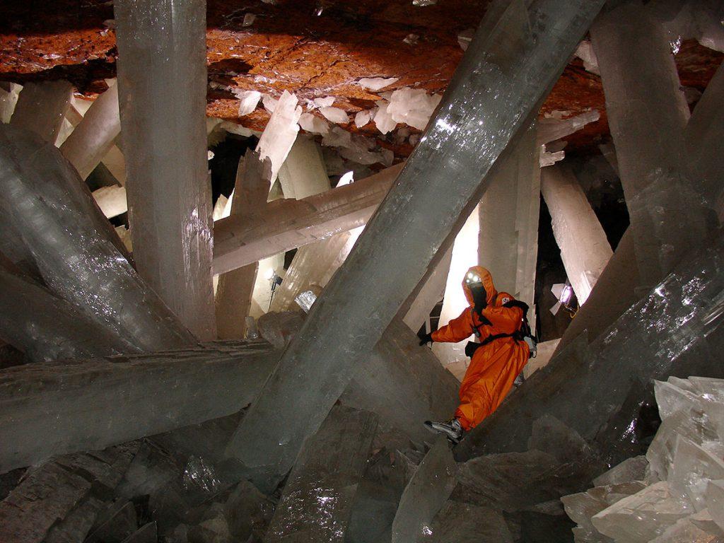 La grotta dei cristalli giganti di Naica in Messico, con La Venta e Ferrino