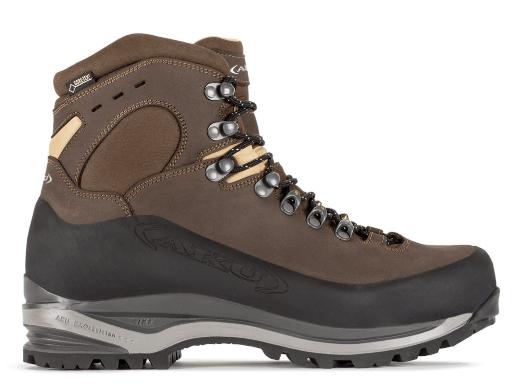Leather hiking boots AKU Superalp NBK GTX, designed for true backpackers who prefer long distances, preferably alone and with heavy loads on their shoulders