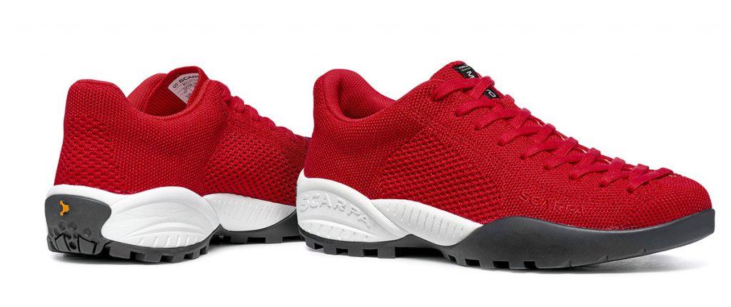 La scarpa MOJITO BIO è il primo prodotto di SCARPA costituito da componenti di origine vegetale e certificato 100% biodegradabile.