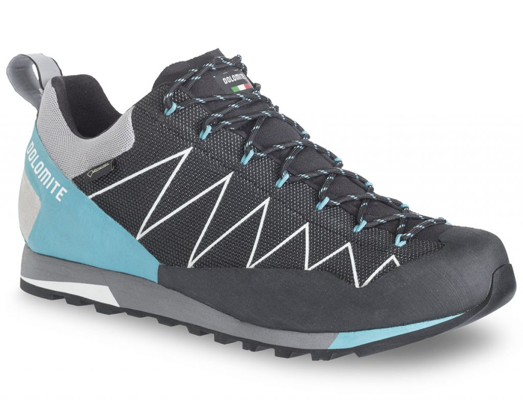 Mountain approach shoes for women Dolomite Crodarossa Lite GTX 2.0, providing maximum freedom of movement while accessing climbing walls.