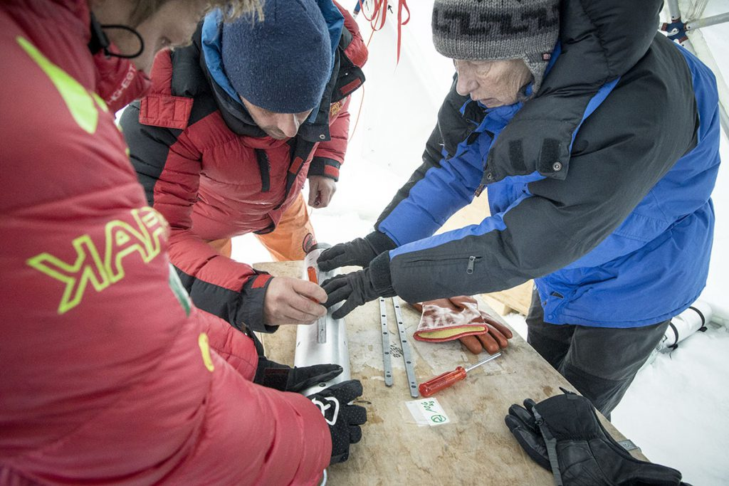 Karpos joins forces with the international Ice Memory project that aims to collect ice cores from the most significant mountain glaciers in the world currently at risk of disappearing due to global warming.