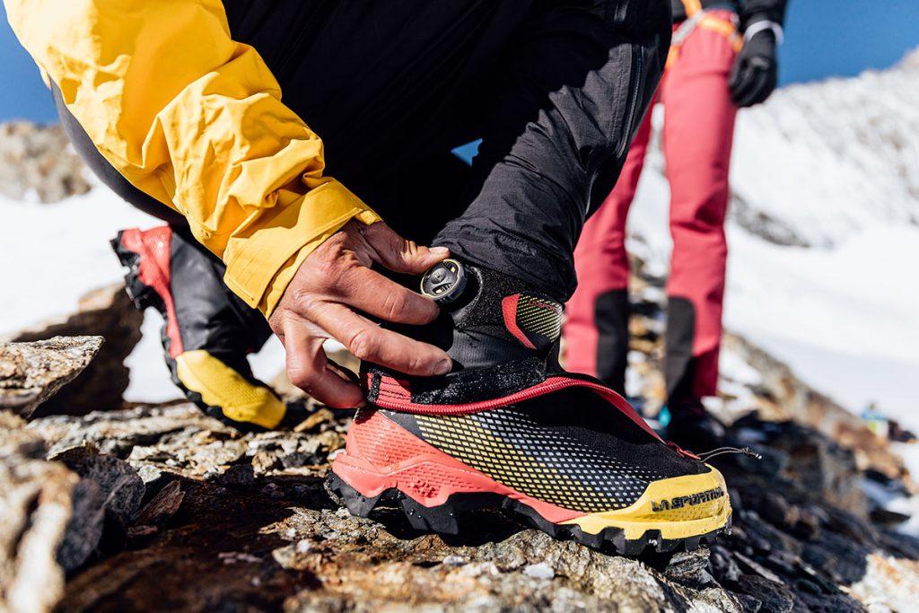 Aequilibrium Series: l'alpinismo light & fast di La Sportiva. Innovativi scarponi da montagna che coniugano comfort e tecnicità, leggerezza e robustezza in modo nuovo e con l'utilizzo di diverse tecnologie proprietarie.