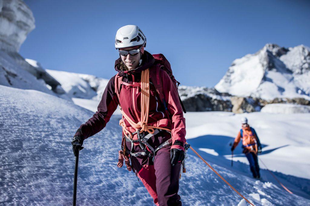 Preparati per l'alta quota con la piattaforma digitale di formazione Safety Academy LAB ICE di ORTOVOX: 5 consigli per affrontare la montagna in sicurezza.