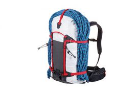 Zaino da alpinismo Ferrino Instinct in due diverse dimensioni, 30+5 e 40+5. Zaini ultraleggeri per tutte le forme di alpinismo.