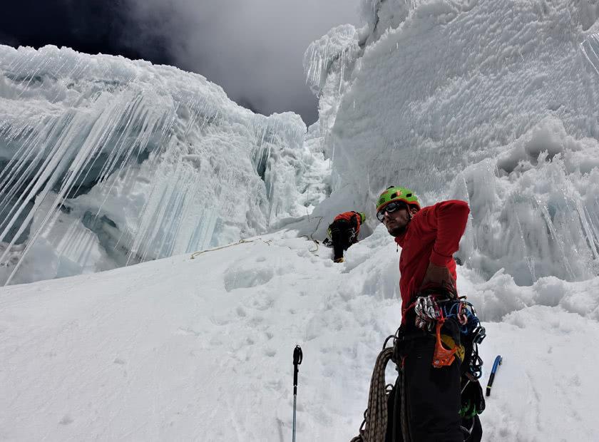 Francesco Salvaterra climbing Alpamayo in 2019 with Elbec mountain socks