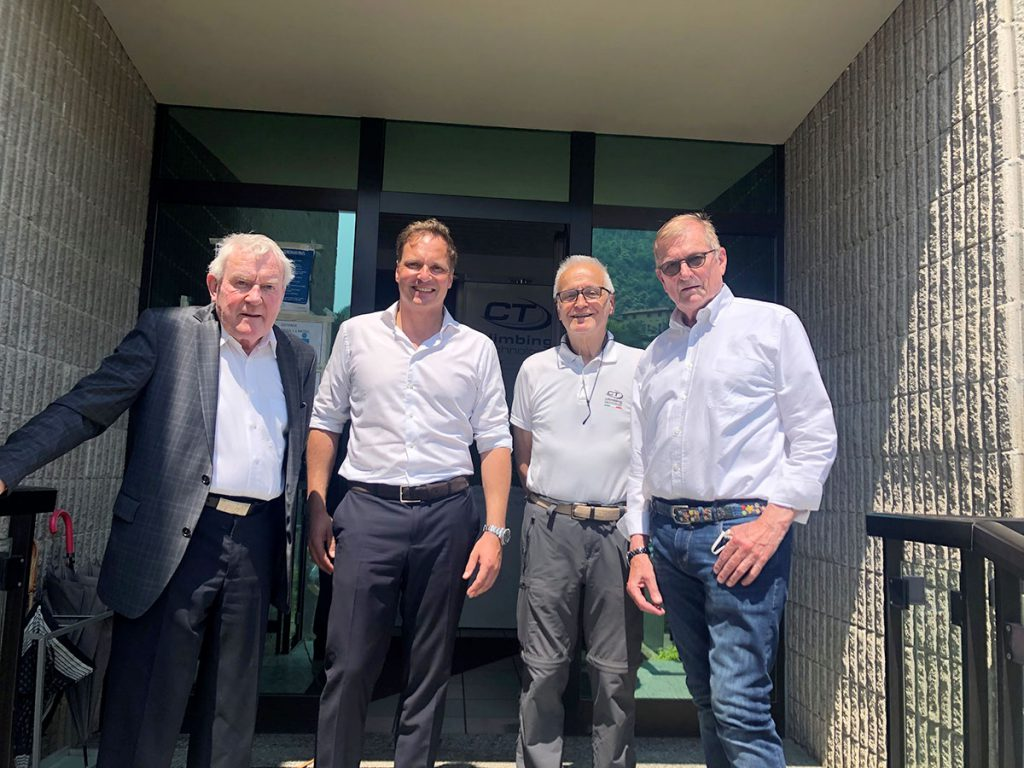 Da sinistra: il fondatore di SKYLOTEC Wolfgang Rinklake e il figlio Kai Rinklake amministratore delegato di SKYLOTEC, Carlo Paglioli di Aludesign e Walter Remy nel ruolo di consulente per l'operazione di acquisizione.