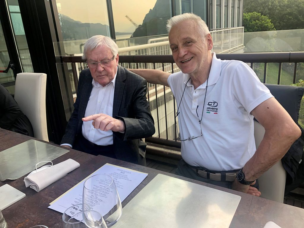 Il fondatore di SKYLOTEC, Wolfgang Rinklake (a sinistra) a fianco di Carlo Paglioli di Aludesign, una stima reciproca e un rapporto professionale che dura da oltre 25 anni.