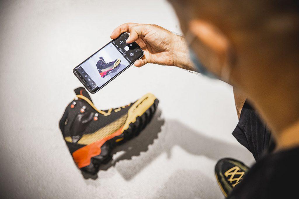 La nuova linea La Sportiva Aequilibrium, perfetto equilibrio tra comfort e tecnicità, leggerezza e durabilità, nasce, infatti, proprio per andare incontro alle ambizioni del moderno alpinismo fast & light, per permettere realizzare i propri sogni verticali, e spingersi oltre ogni sfida.