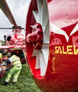 Salewa è diventato partner ufficiale dell'elisoccorso Aiut Alpin Dolomites, il servizio di elisoccorso alpino attivo dal 1986.