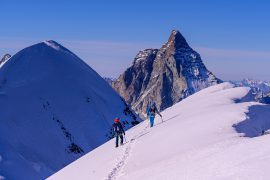 Light & fast in montagna: con CAMP l'evoluzione dell'alpinismo è sempre più all'insegna della leggerezza e della velocità.